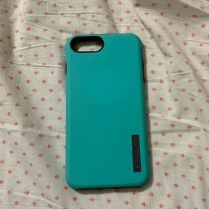 iPhone 8+ incipio case
